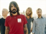 Foo Fighters: Dave Grohl si ferisce durante le prove