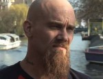Queens Of The Stone Age: l'ex bassista Nick Oliveri coinvolto in un incidente