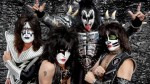 Kiss: si esibiscono in apertura di una partita di hockey